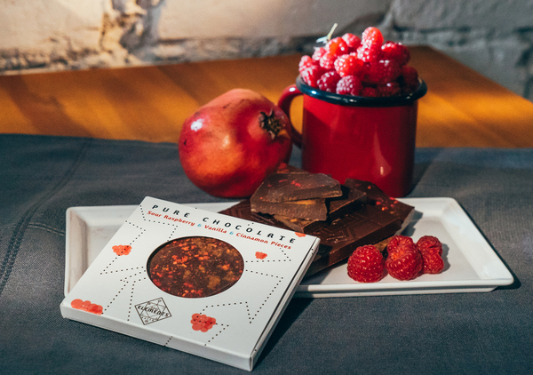Dark Chocolate -  Sour Raspberries & Vanilla & Cinnamon Pieces - Стихия Земя